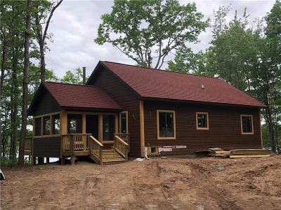 Stone Lake WI Single Family Home For Sale: $229,900