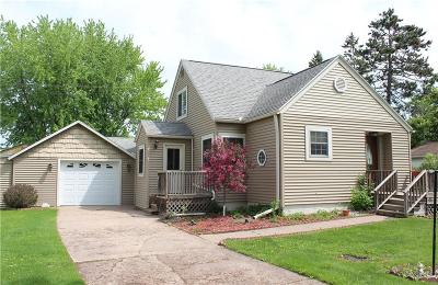 Jackson County, Clark County Single Family Home For Sale: 419 E Main Street