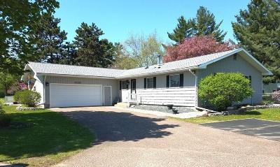 Menomonie Single Family Home For Sale: 2115 Bongey Drive