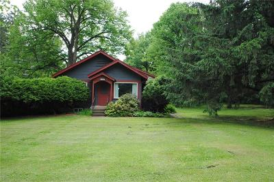 Menomonie Single Family Home For Sale: 2206 5th Street
