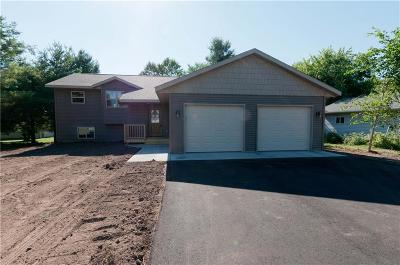 Cameron WI Single Family Home Sale Pending: $174,900