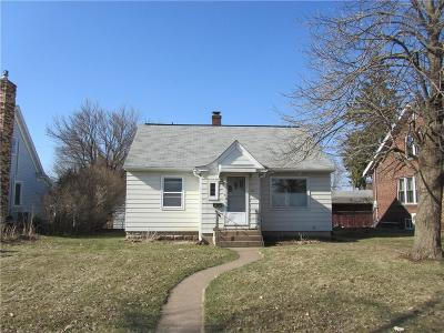 Eau Claire Single Family Home For Sale: 1910 Hogeboom Avenue