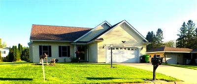 Jackson County, Clark County Single Family Home Active Offer: 309 W Maple Street