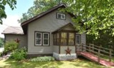 Rice Lake WI Single Family Home For Sale: $208,500