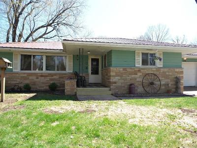 Jackson County, Clark County Single Family Home Active Offer: 206 S Crocker Avenue