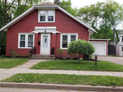 Chippewa Falls Single Family Home Active Offer: 217 W Cedar Street