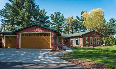 Eau Claire Single Family Home For Sale: 5449 North Shore Drive