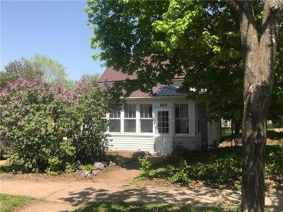 Chippewa Falls Single Family Home Active Offer: 424 Church Street