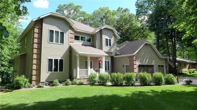 Barron County Single Family Home For Sale: 1516 E Orchard Beach Lane