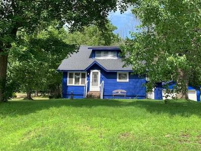 Jackson County, Clark County Single Family Home For Sale: 138 3rd Street