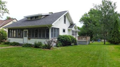 Rice Lake Single Family Home Active Offer: 927 N Wilson Avenue