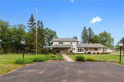 New Auburn WI Single Family Home Sold: $279,000