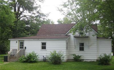 Menomonie WI Single Family Home For Sale: $109,900
