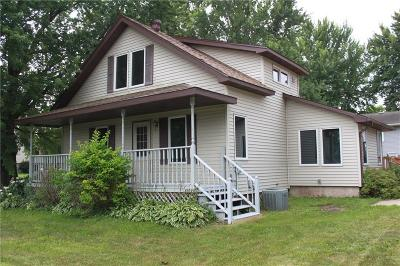Menomonie WI Single Family Home Active Offer: $124,900