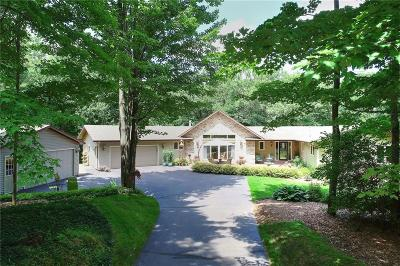 Eau Claire Single Family Home For Sale: 5430 Woodcrest Highlands Road
