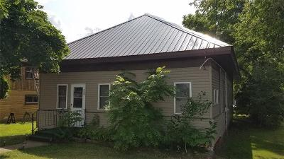 Black River Falls Single Family Home For Sale: 123 S Roosevelt Road