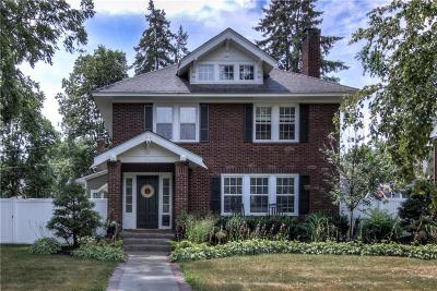 Eau Claire Single Family Home Active Offer: 213 Garfield Avenue