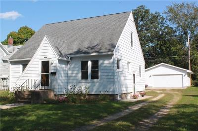 Menomonie WI Single Family Home Active Offer: $114,900