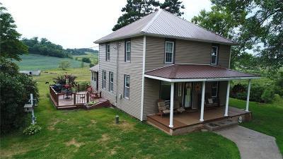 Jackson County, Clark County, Trempealeau County, Buffalo County, Monroe County, Chippewa County, Eau Claire County Single Family Home For Sale: N47355 Cty Rd V