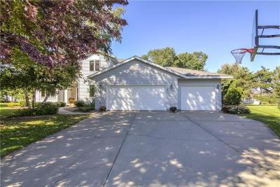 Eau Claire Single Family Home For Sale: 1038 Willow Green Circle
