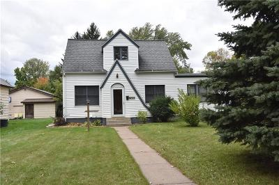 Rice Lake Single Family Home Active Offer: 928 N Wilson Avenue