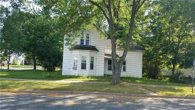Menomonie WI Single Family Home For Sale: $90,000