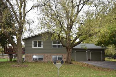 Menomonie WI Single Family Home For Sale: $185,000