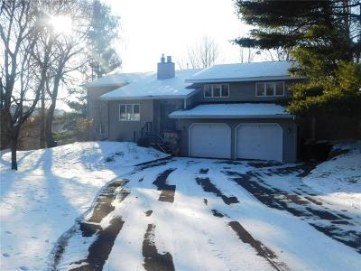 Menomonie Single Family Home For Sale: 2511 Crestwood Drive
