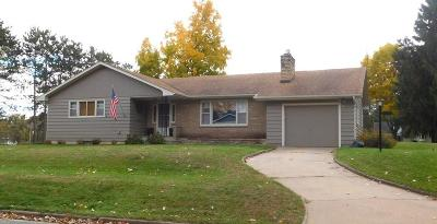 Menomonie WI Single Family Home Active Offer: $154,900