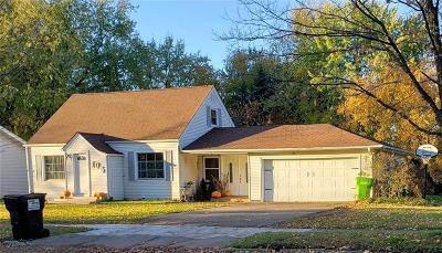 Clark County Single Family Home For Sale: 105 E Maple Street