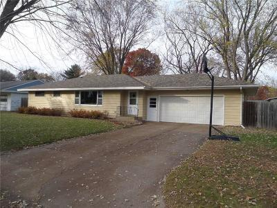Chippewa Falls Single Family Home Active Offer: 1420 W Willow Street