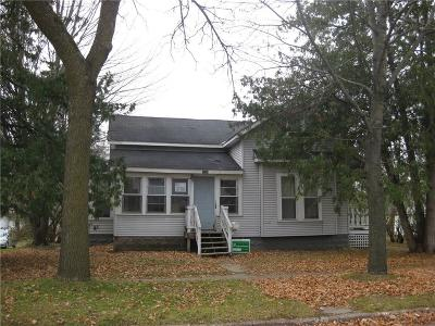 Menomonie Single Family Home For Sale: 1615 7th Street