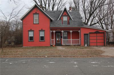 Menomonie Single Family Home For Sale: 1426 Douglas Street