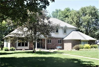 Eau Claire Single Family Home For Sale: 3372 Westover Lane