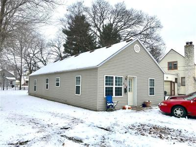 Menomonie Single Family Home For Sale: 215 13th Avenue