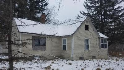 Cumberland Single Family Home For Sale: 514 22 1/2 Avenue