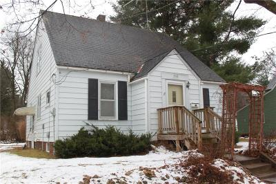 Menomonie Single Family Home Active Offer: 1510 Main Street