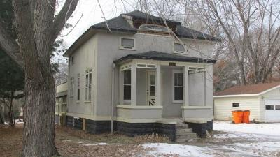 Eau Claire Single Family Home For Sale: 1310 Pershing Street