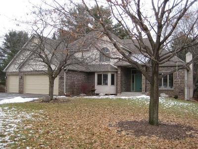 Eau Claire Single Family Home For Sale: 419 Southwood Court