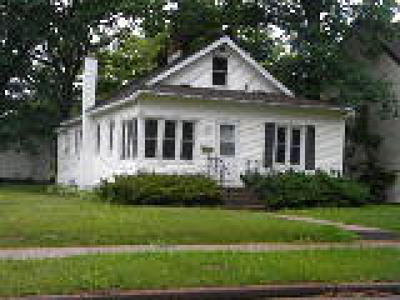Spooner Single Family Home For Sale: 717 Benjamin Street