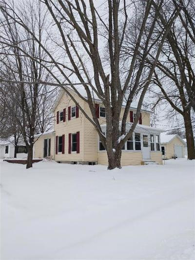 Augusta WI Single Family Home Active Under Contract: $114,900