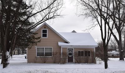 Menomonie Single Family Home For Sale: 220 21st Avenue