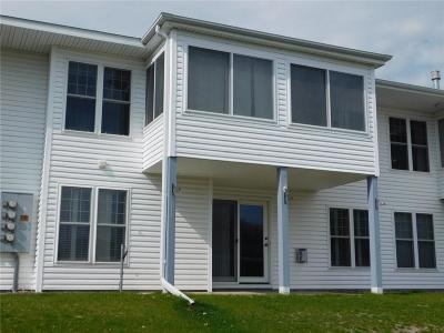 Menomonie Single Family Home For Sale: 934 B Tainter Street