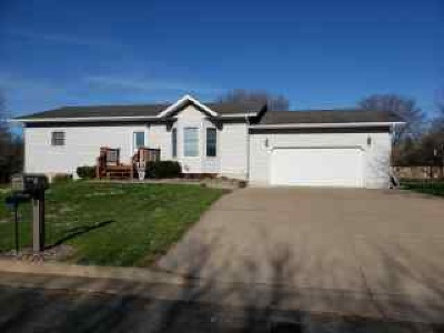 Rice Lake WI Single Family Home For Sale: $185,900