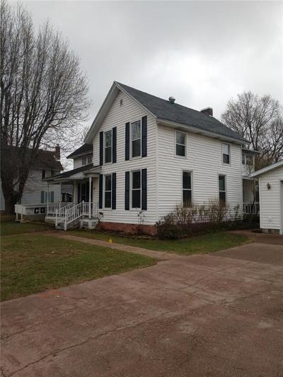Single Family Home Active Under Contract: 425 E Lincoln St.