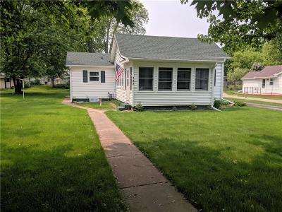 Eau Claire WI Single Family Home Active Under Contract: $149,900
