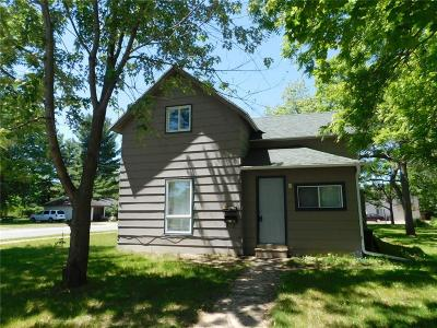 Menomonie Single Family Home For Sale: 1721 E 6th Street #house