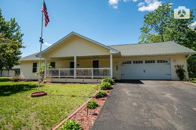 Chippewa Falls Single Family Home Active Under Contract: 534 W Vine Street