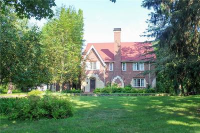 Eau Claire Single Family Home For Sale: 455 Roosevelt Avenue