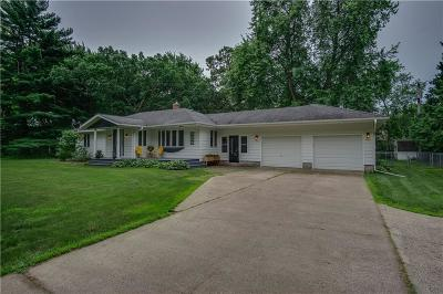 Eau Claire Single Family Home For Sale: 1827 Golf Road